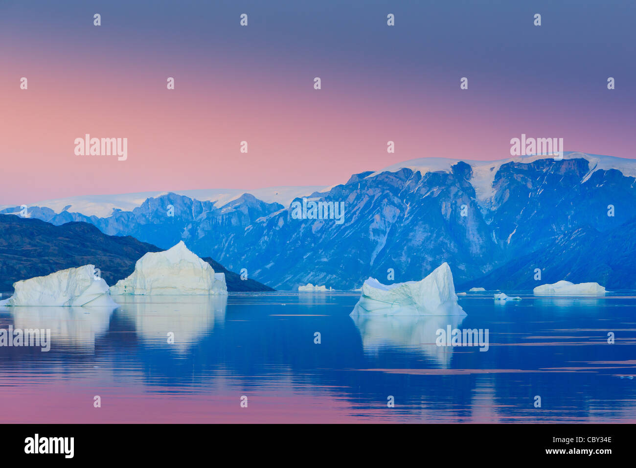 Sunrise in the Røde Fjord, Scoresbysund, Greenland - Stock Image