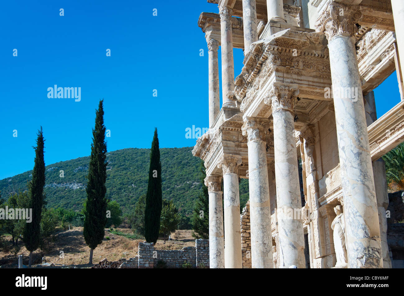 Ruins of the facade of library Celsus bibliotheque in the ancient town of Ephesus in Turkey. - Stock Image