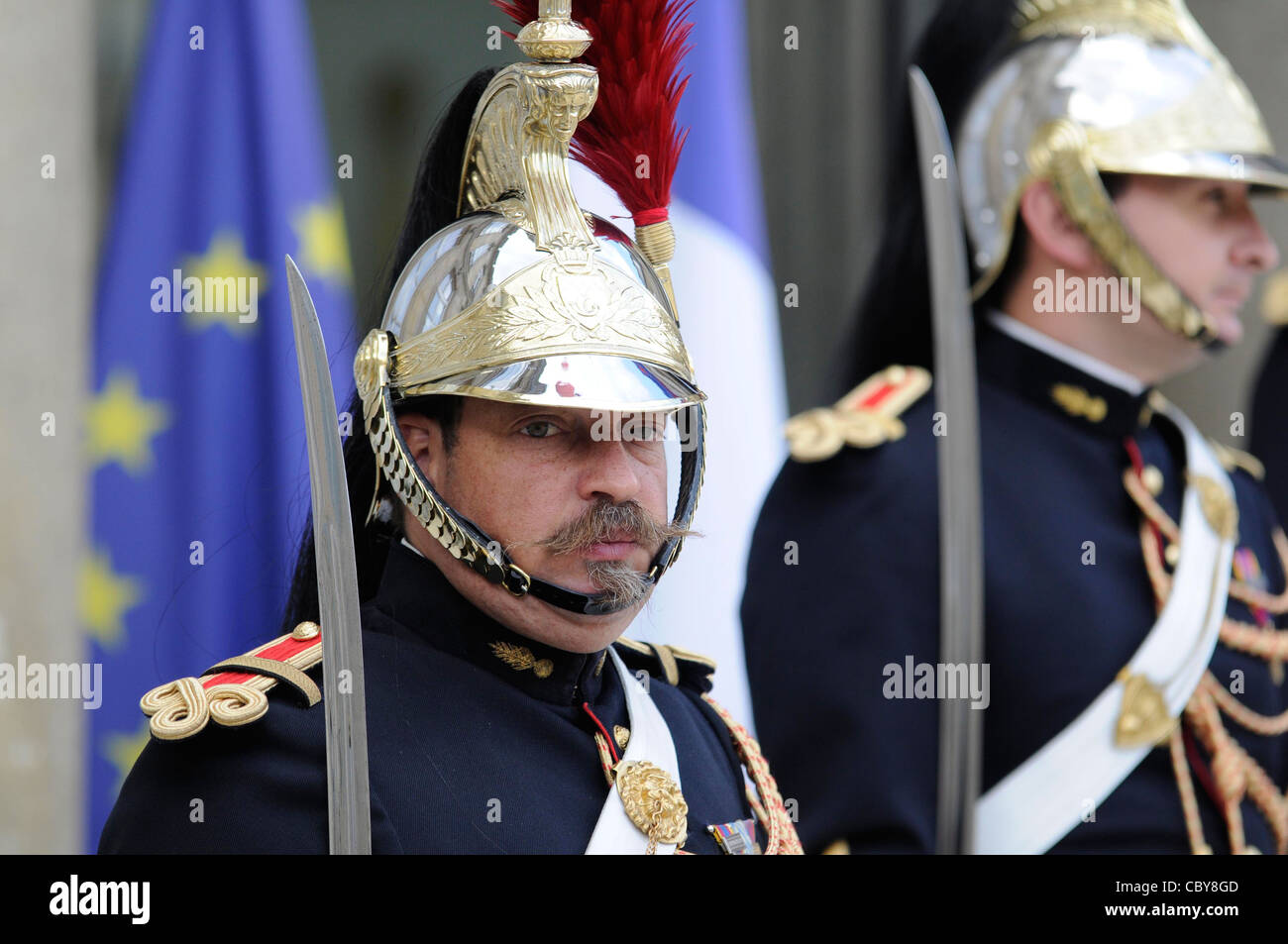 A Republican guard standing guard at the Elysee palace, France' s official presidency seat, in Paris, France. - Stock Image