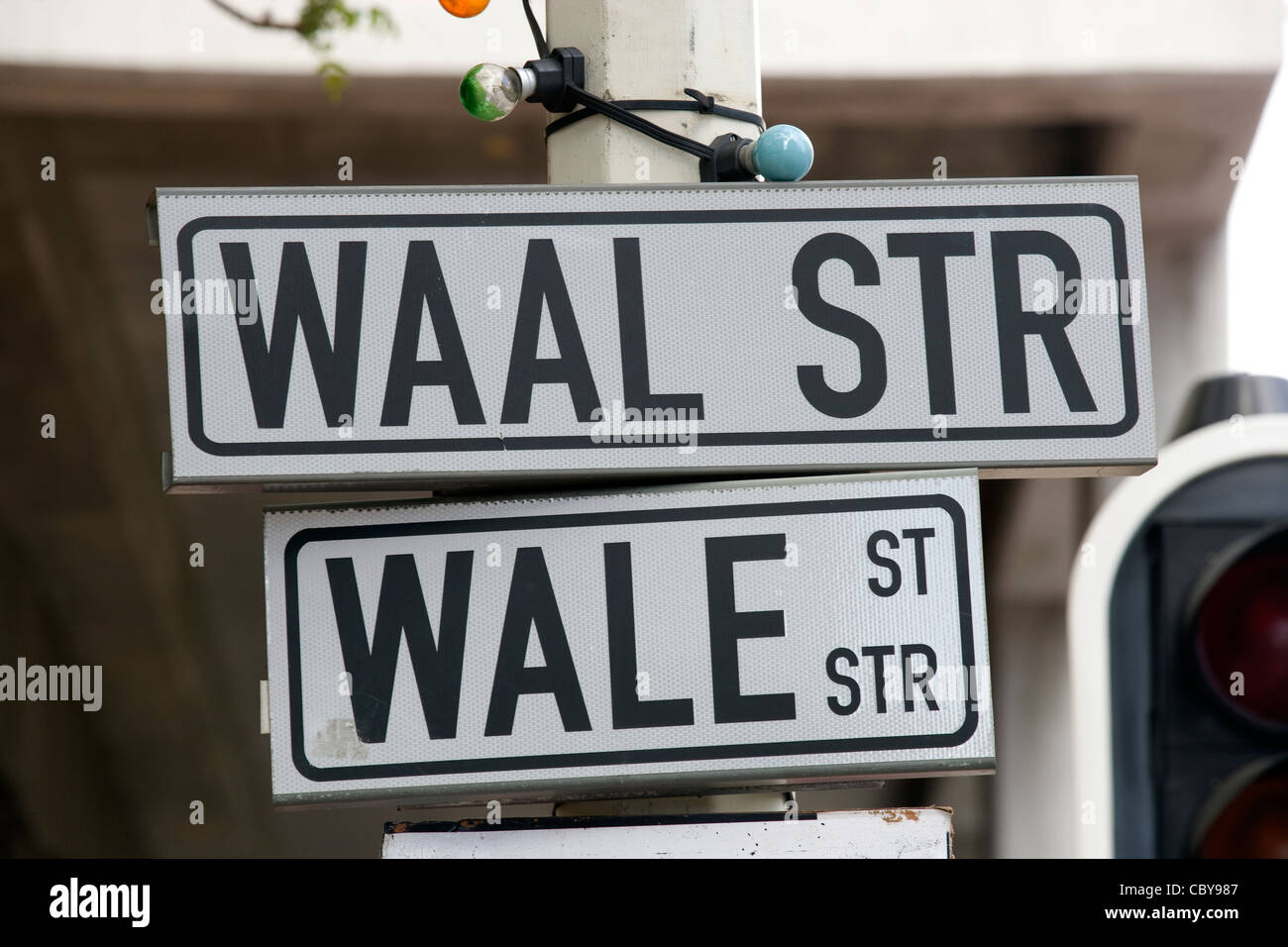 Cape Town: street signs in English & Afrikaans - Stock Image