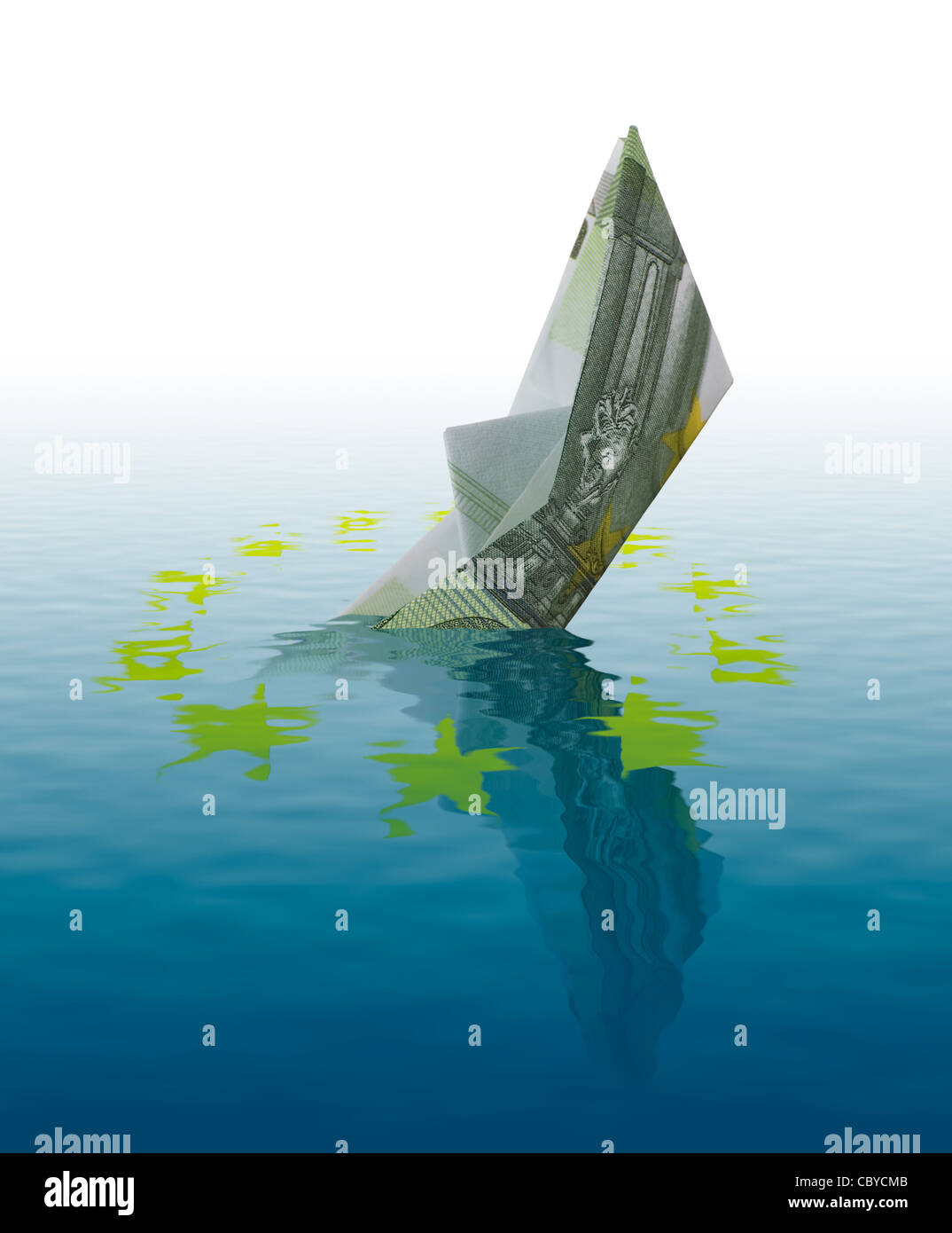 Euro bankruptcy concept - ship made of 100 euro banknote sinking in water - Stock Image