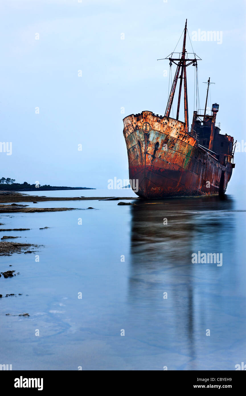 The 'Dimitrios' shipwreck in Glyfada (also known as 'Valtaki') beach, close to Gytheio town, Mani, - Stock Image