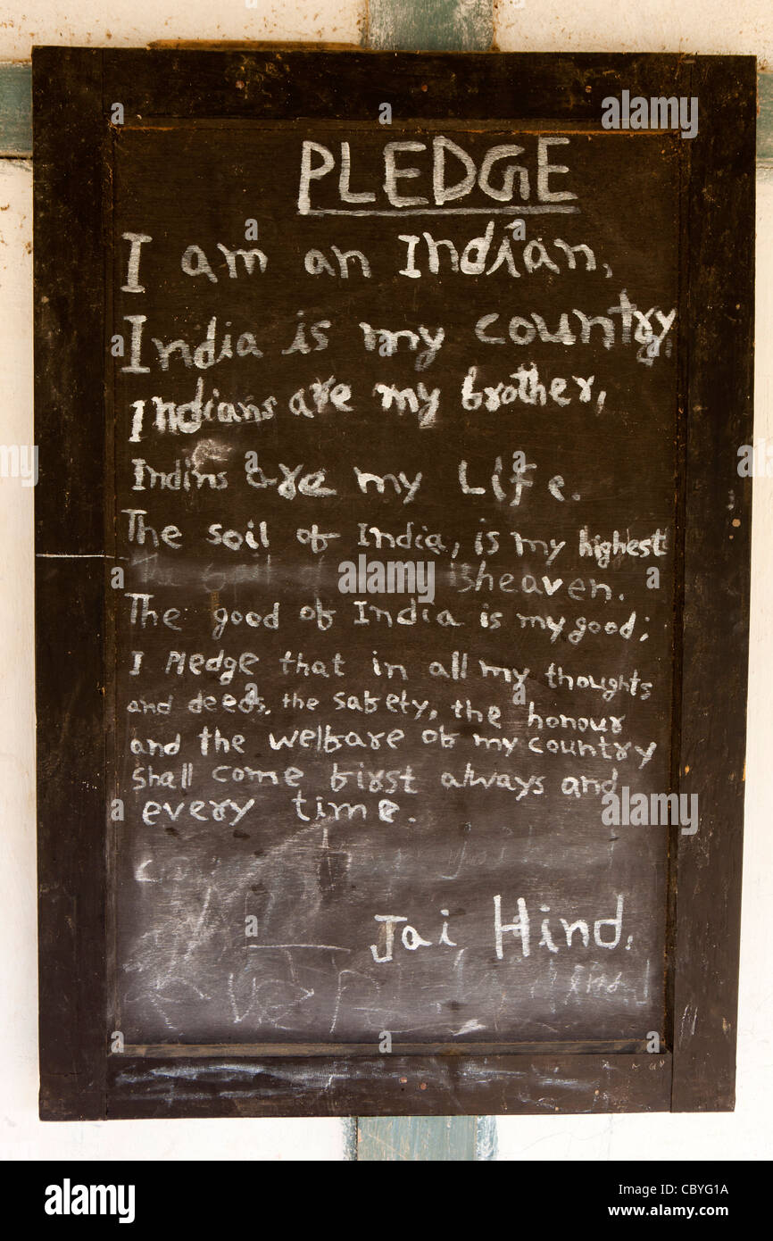 India, Arunachal Pradesh, Along, Jining village school, Indian loyalty pledge on blackboard - Stock Image