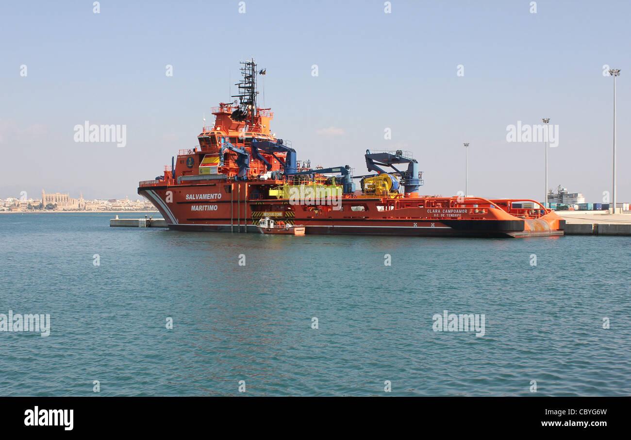 Heavy duty disaster / rescue / oil spill response tug 'Clara Campoamor' in the Port of Palma de Mallorca - Stock Image
