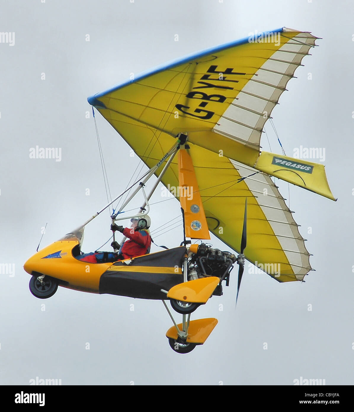 Pegasus Quantum 15-912 ultralight (G-BYFF), built 1999, at Kemble Air Day 2009, Kemble, Gloucestershire, England. - Stock Image
