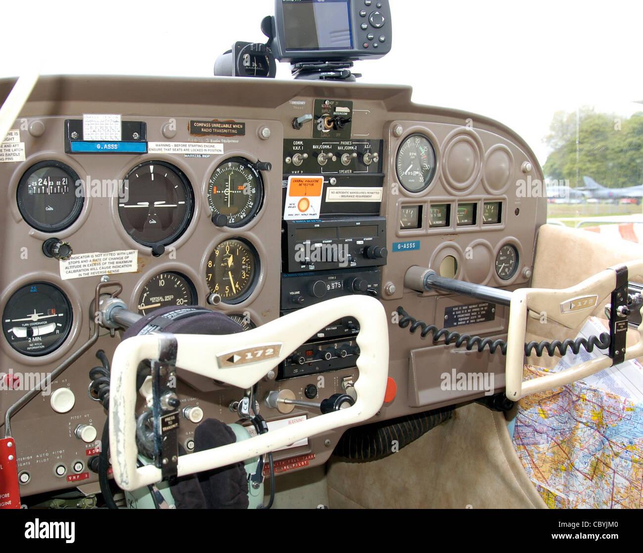 Aircraft Yoke Stock Photos & Aircraft Yoke Stock Images - Alamy