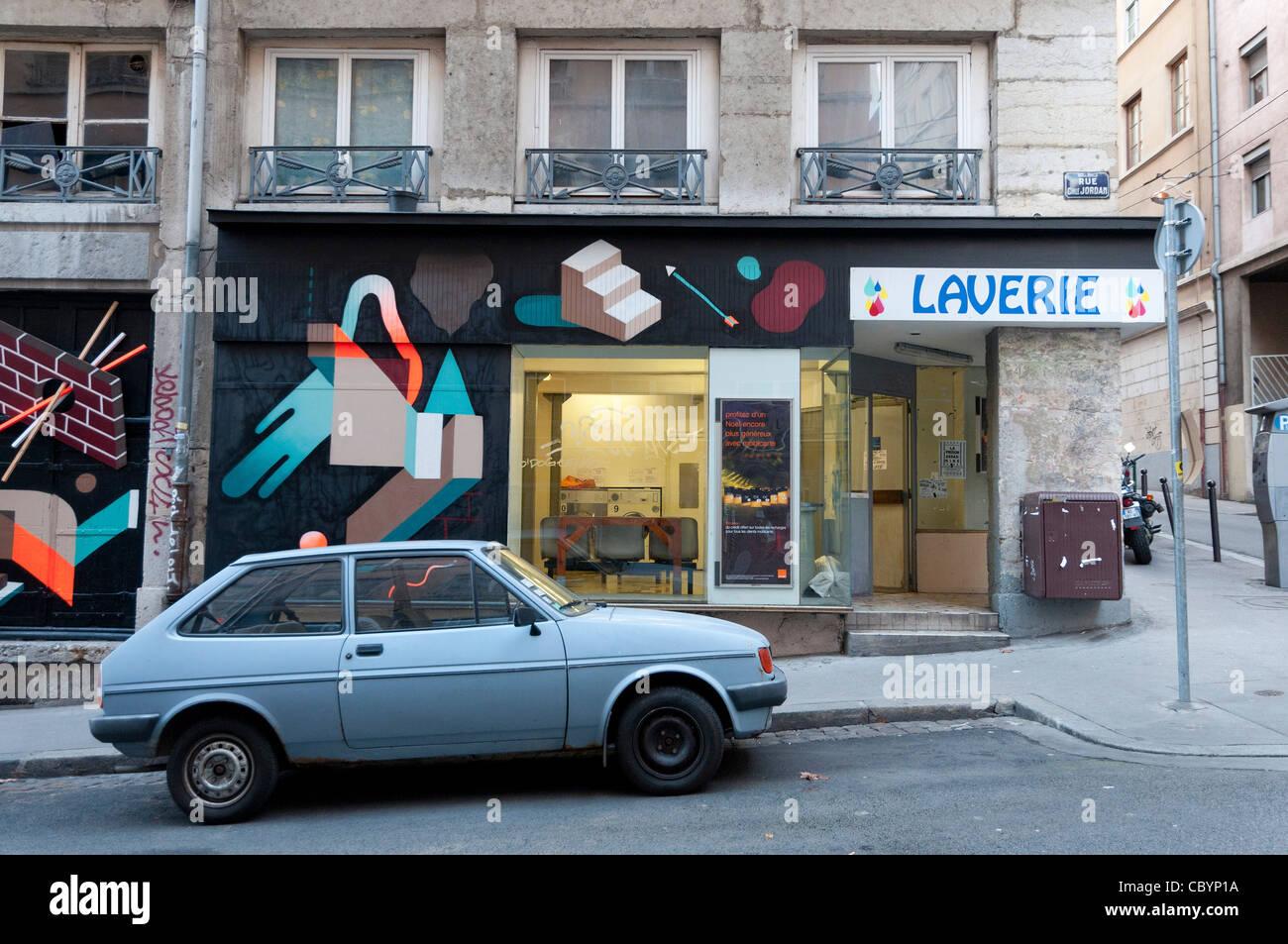 laverie de la Croix rousse à Lyon laundrette in Lyon, Croix Rousse - Stock Image