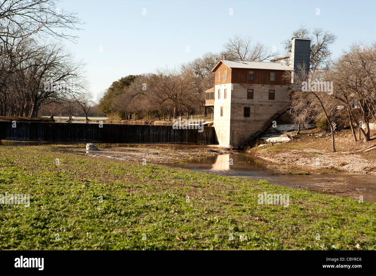 The mill and falls at Summer's Mill, Belton, TX Stock Photo