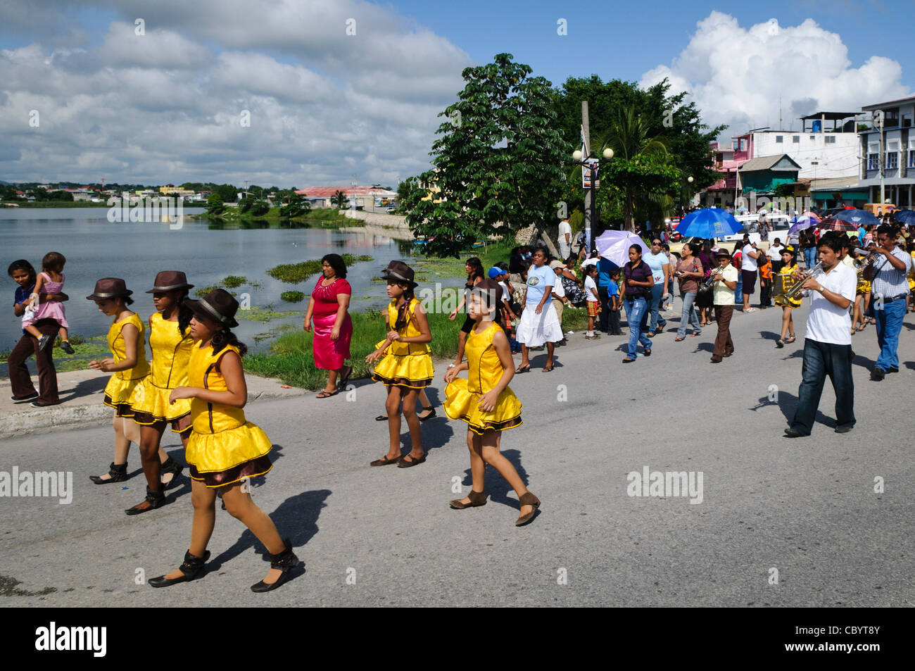 FLORES, Guatemala - As part of the celebrations for Guatemalan Independence Day (September 15, 2011), groups of - Stock Image