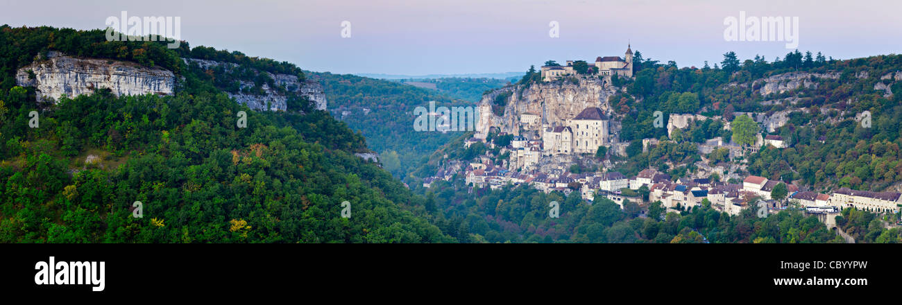 Panorama of dawn light at the medieval town of Rocamadour, in the Dordogne Valley, Midi-Pyrenees, France. - Stock Image