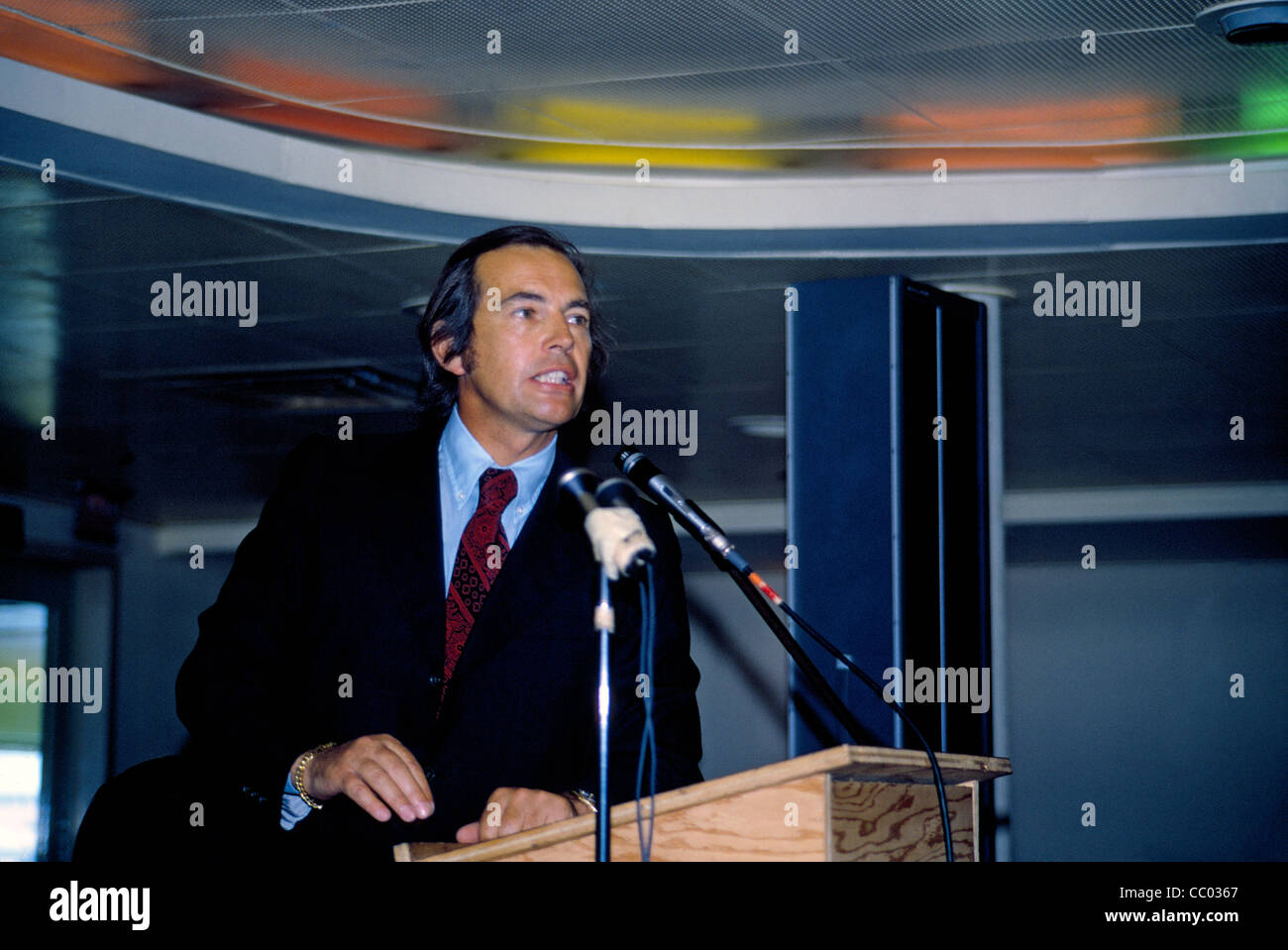 Dr. Christiaan Barnard, famous for doing the first human heart transplant in 1967, speaks to an audience of doctors - Stock Image