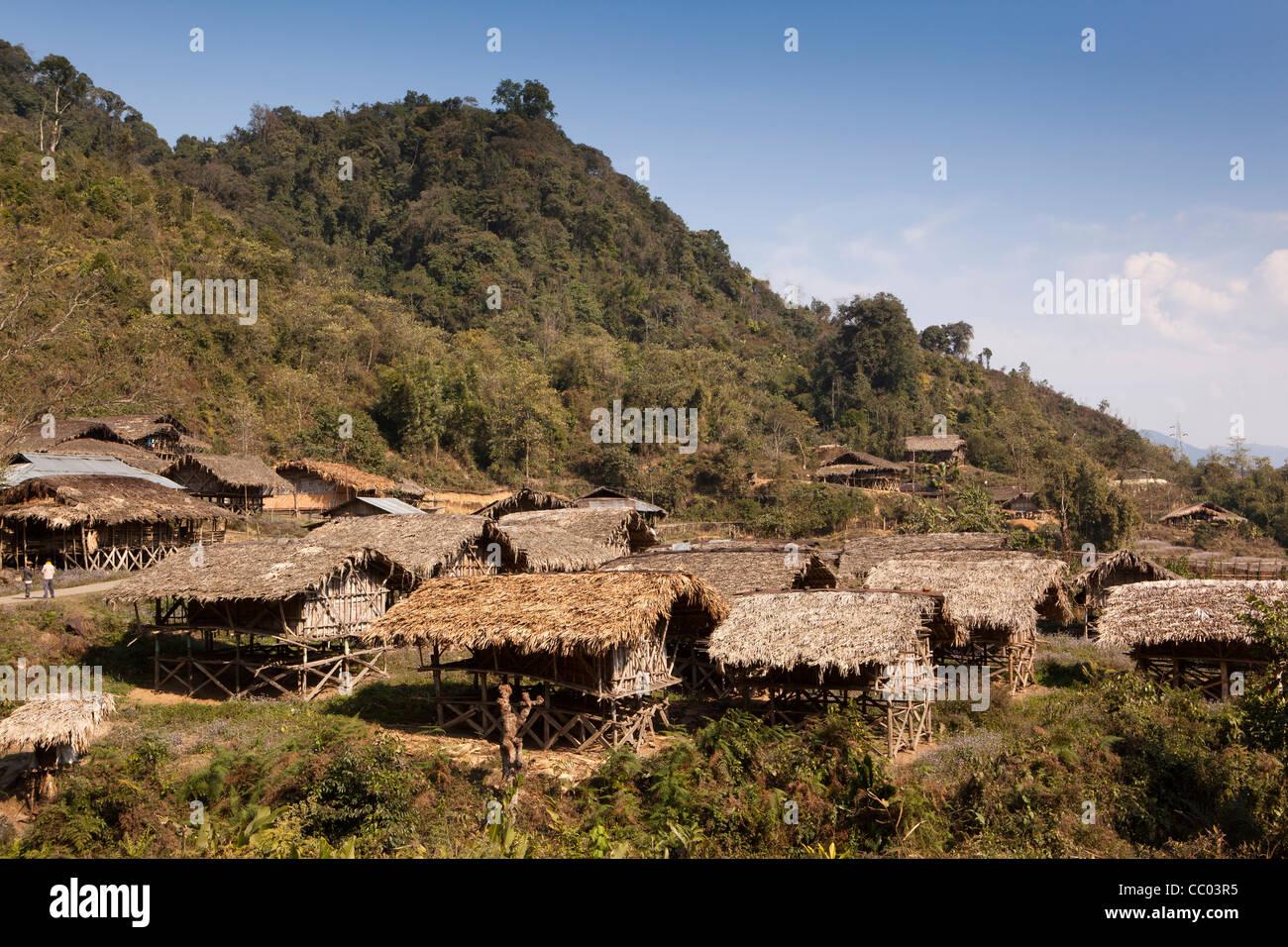 India, Arunachal Pradesh, Daporijo, Upper Subansiri area, hill village constructed from natural materials - Stock Image