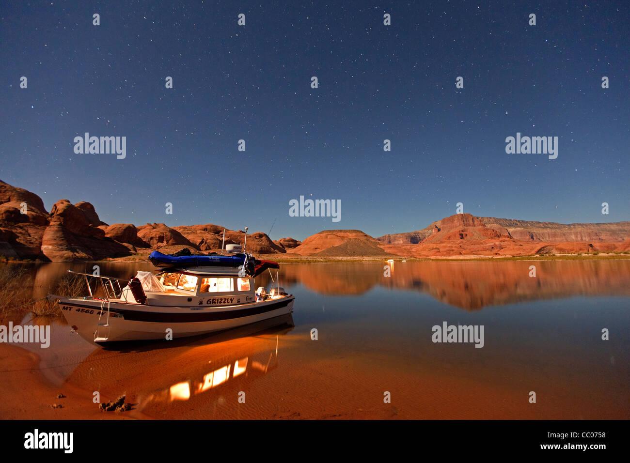 Dory Boat Stock Photos & Dory Boat Stock Images - Alamy