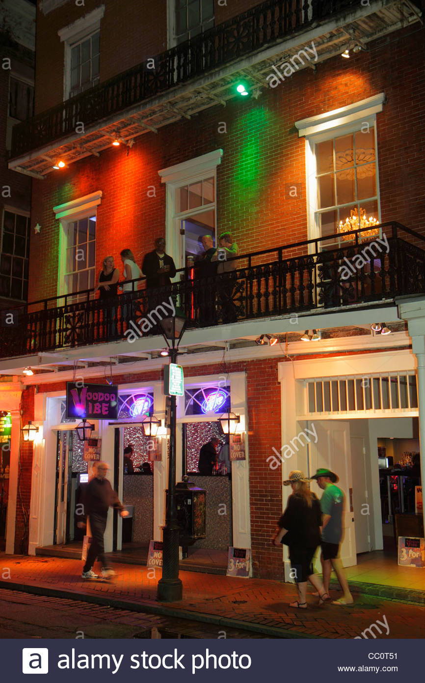 New Orleans Louisiana French Quarter Bourbon Street Voodoo Vibe bar nightlife business alcoholic drinks cocktails - Stock Image