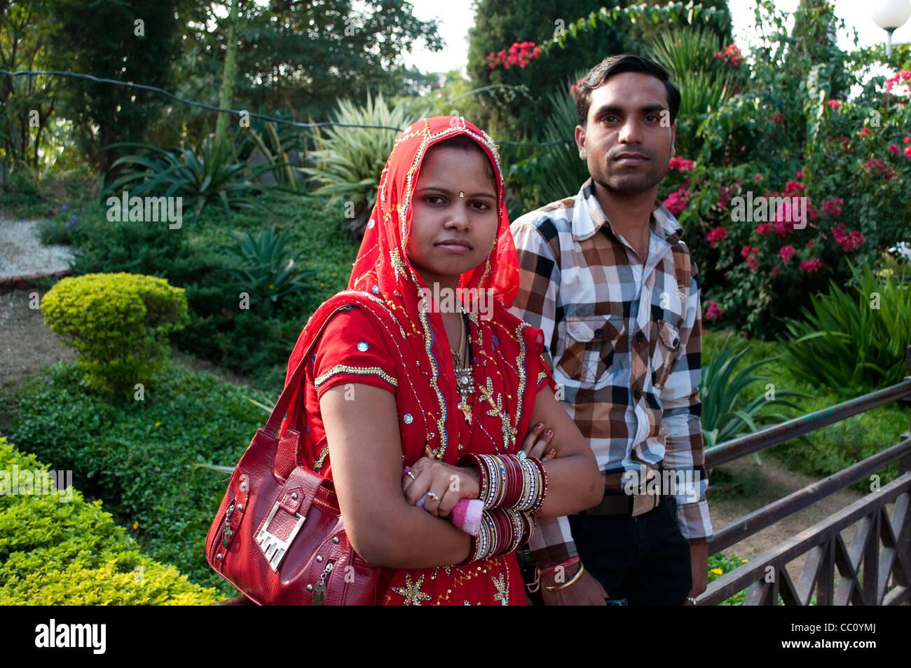 Newly wed couple near Sukhna lake, Chandigarh, India - Stock Image