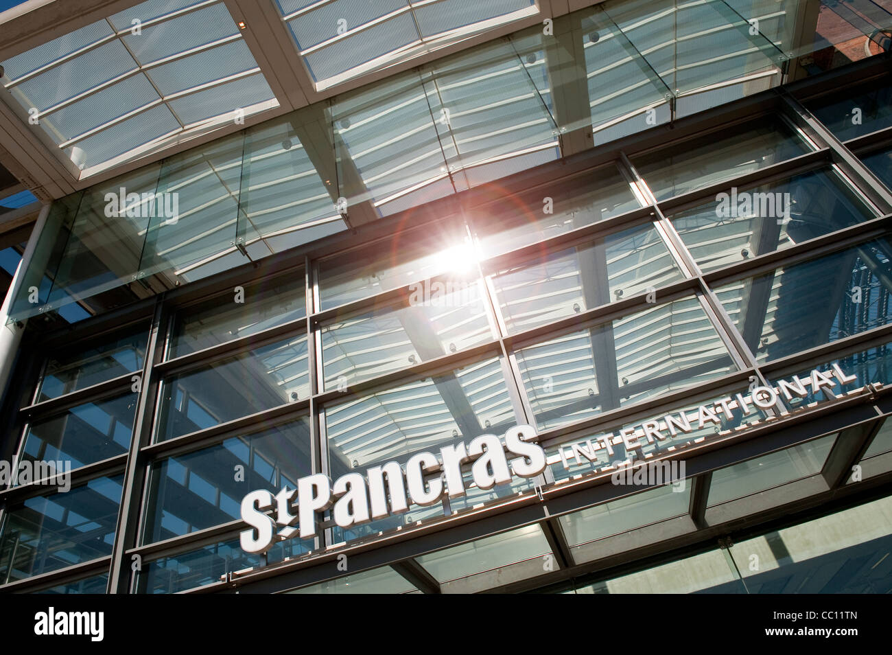 Glass frontage of the entrance to St Pancras International Railway Station, London, England. - Stock Image
