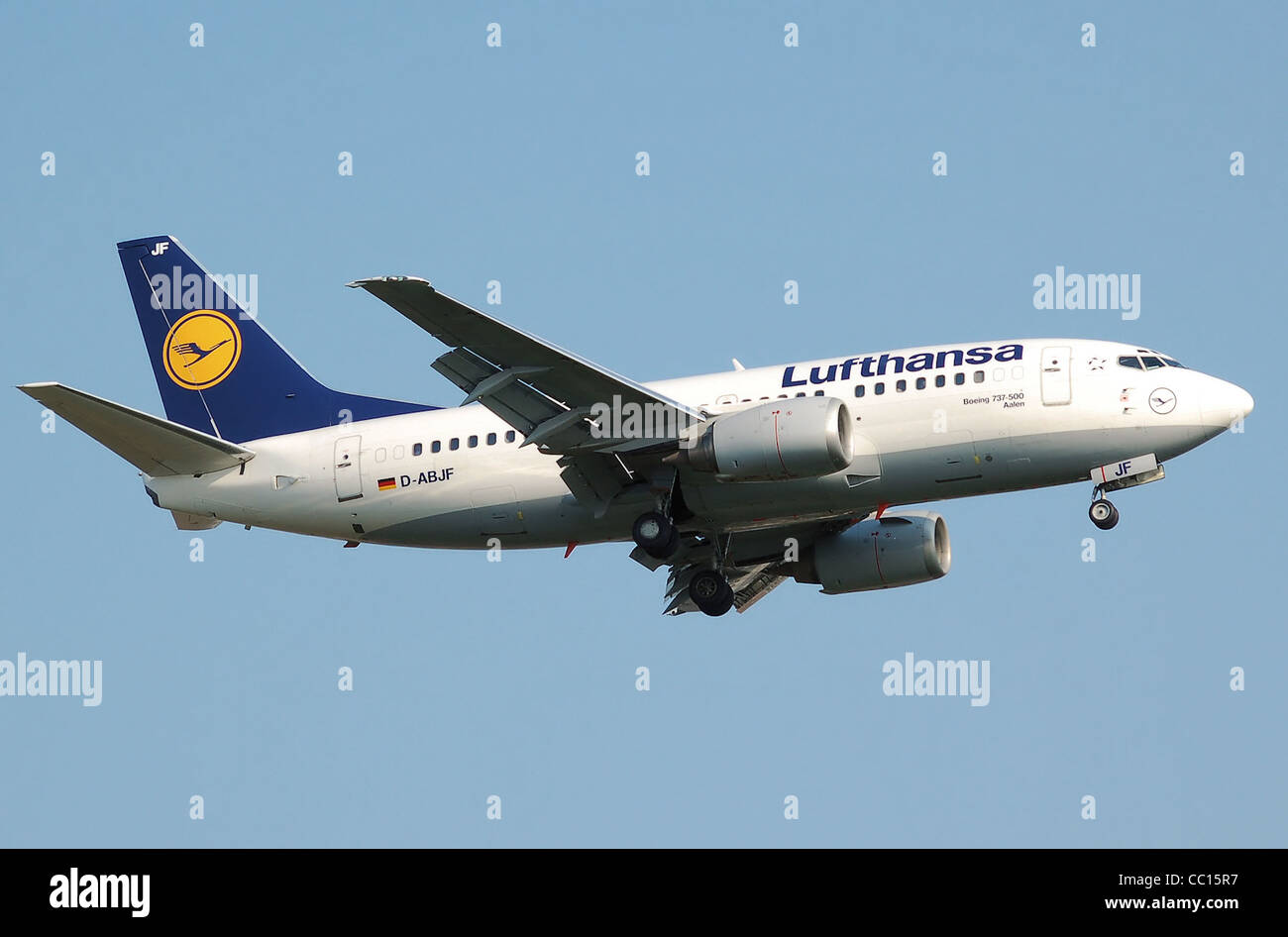 Lufthansa Boeing 737 500 D Abjf Aalen Lands At London Heathrow Stock Photo Alamy