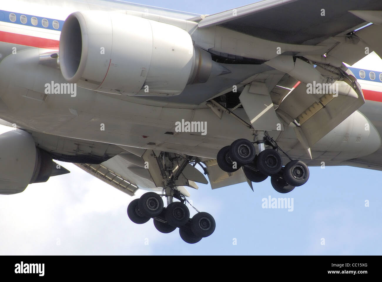 The main undercarriage of an American Airlines Boeing 777-200ER (N788AN), - Stock Image