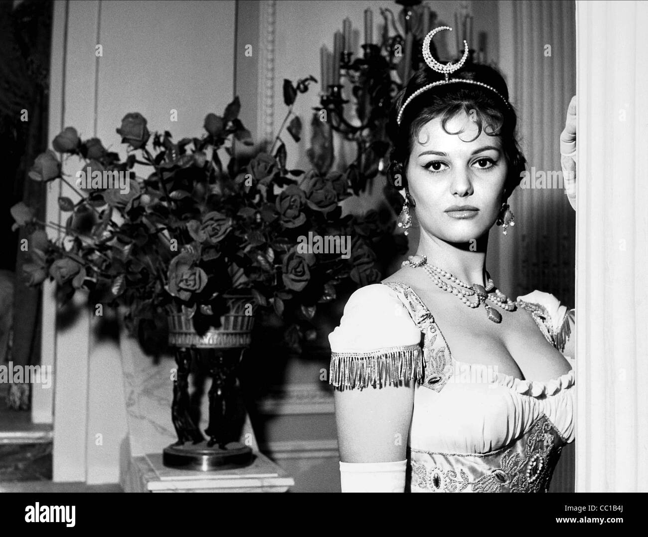 CLAUDIA CARDINALE THE BATTLE OF AUSTERLITZ (1960) - Stock Image