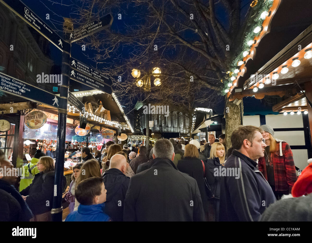 Crowds of shoppers at the Frankfurt German Christmas Market just before Christmas 2011, Victoria Square, Birmingham, - Stock Image