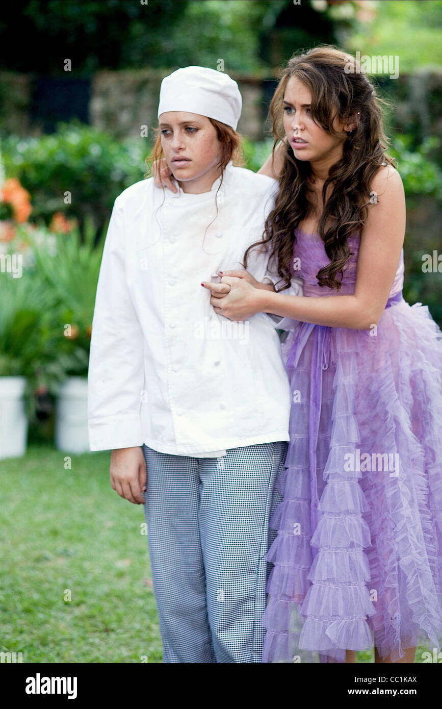 CARLY CHAIKIN & MILEY CYRUS THE LAST SONG (2010) - Stock Image
