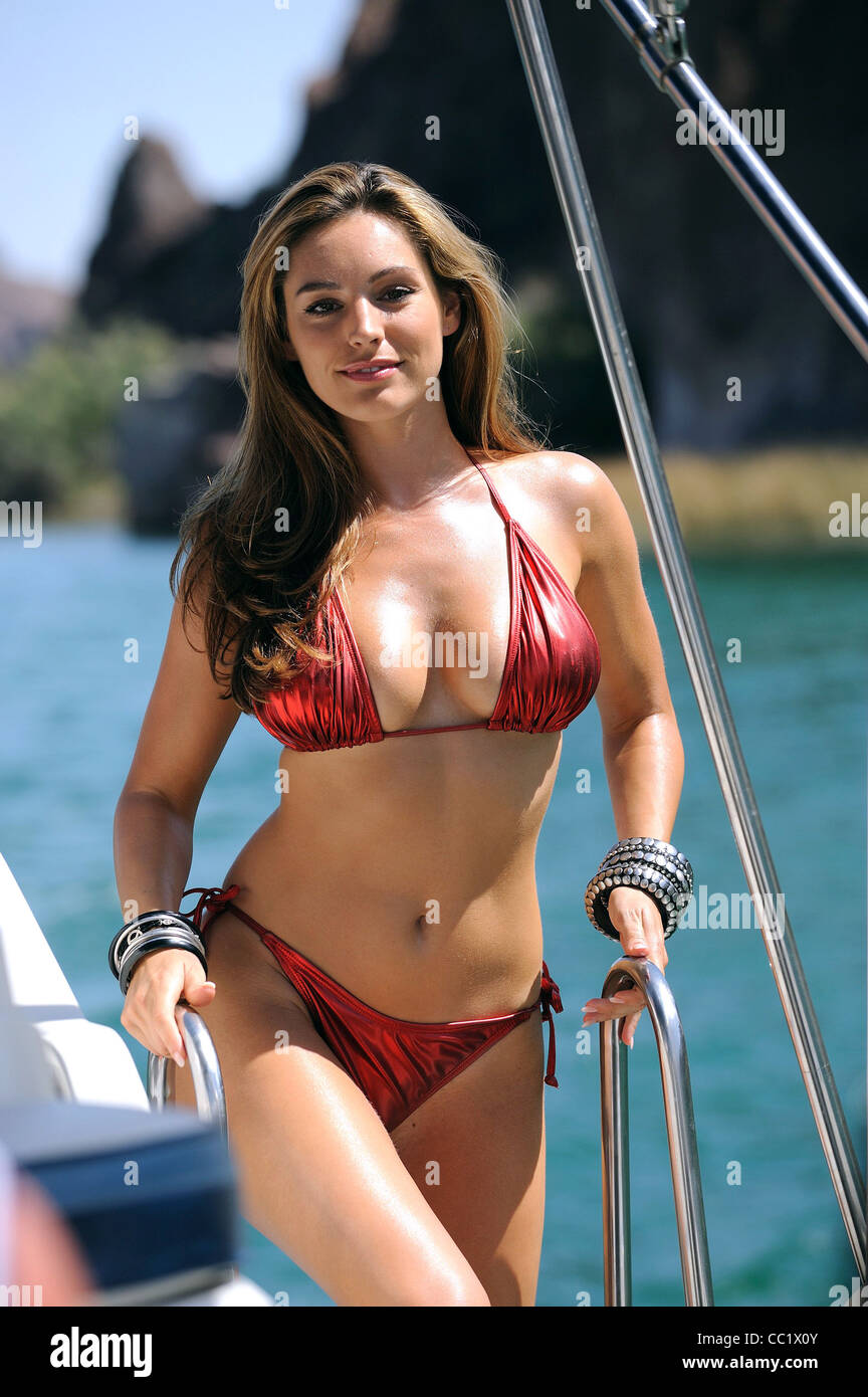 Young Kelly Brook nude photos 2019