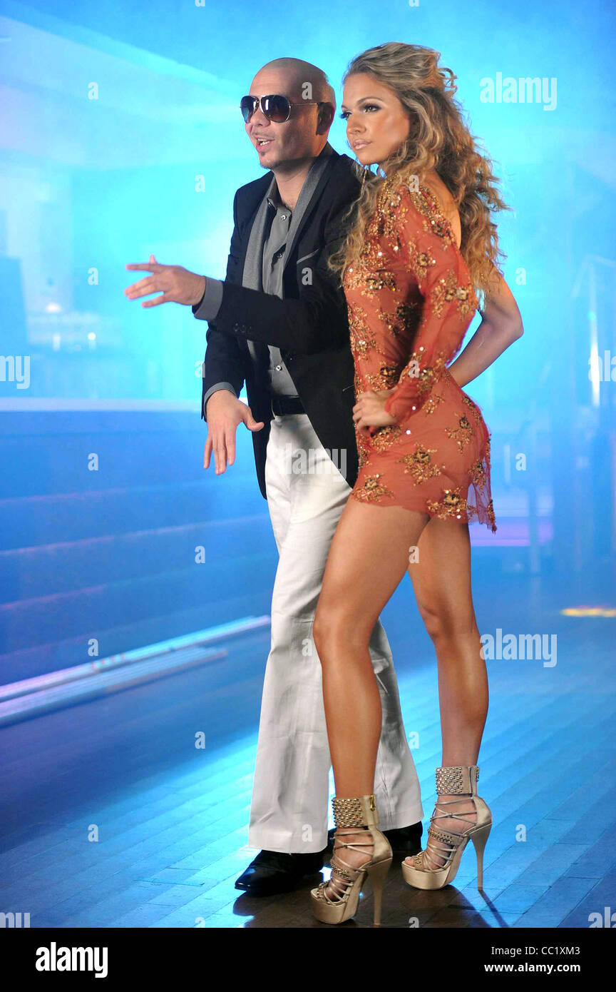 PITBULL & SOPHIA DEL CARMEN STEP UP 3-D (2010) - Stock Image
