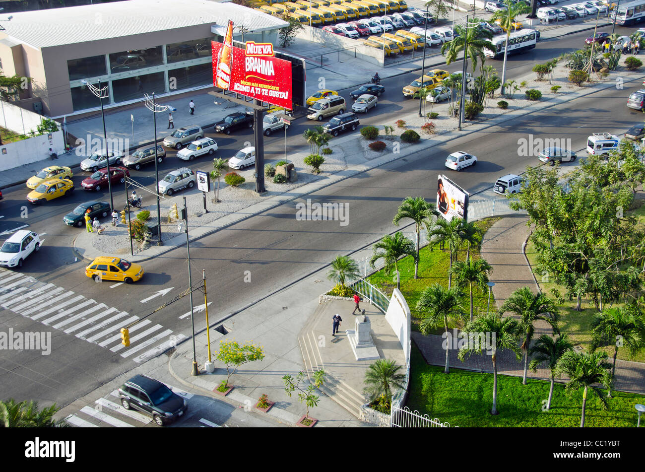 Quayaquil, Ecuador, city scenic traffic taken from above - Stock Image