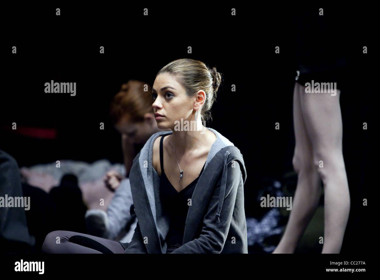 Mila Kunis Black Swan 2010 Stock Photo Alamy