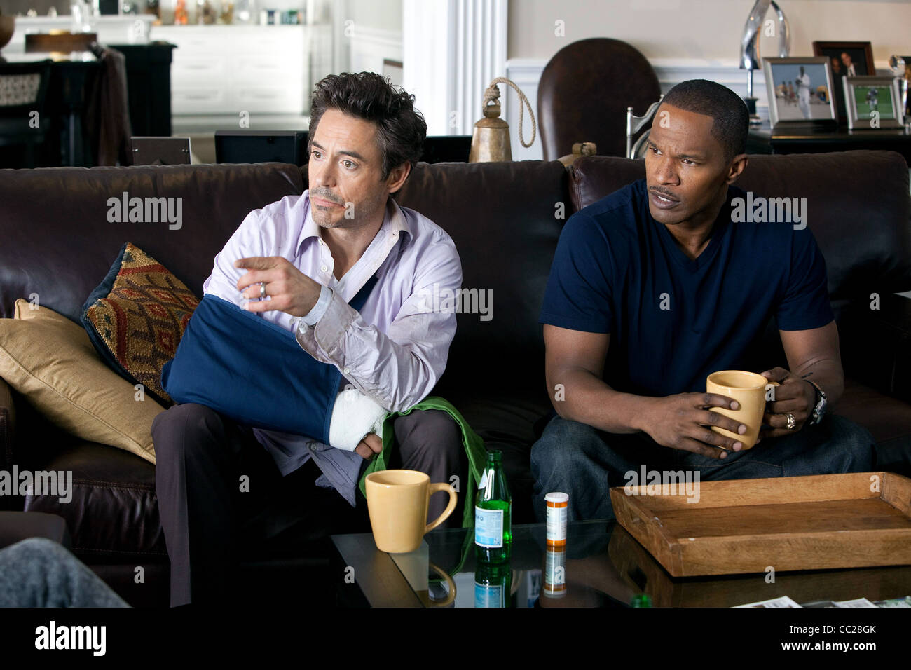 Robert Downey Jr Jamie Foxx Due Date 2010 Stock Photo Alamy