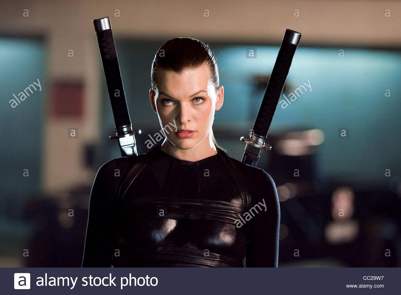 MILLA JOVOVICH RESIDEN... Milla Jovovich Resident Evil 4