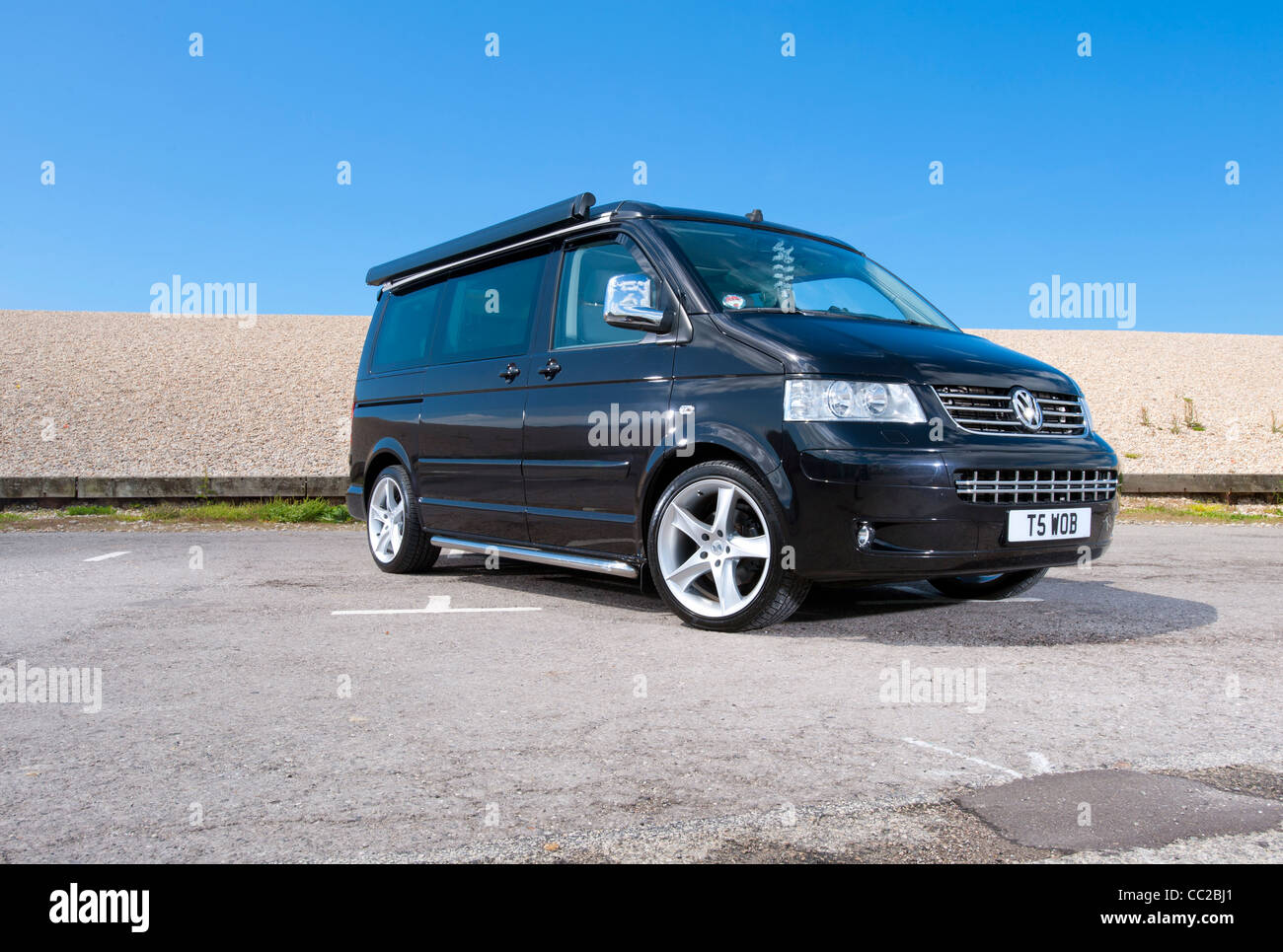 volkswagen vw t5 california camper van stock photo 41849641 alamy. Black Bedroom Furniture Sets. Home Design Ideas