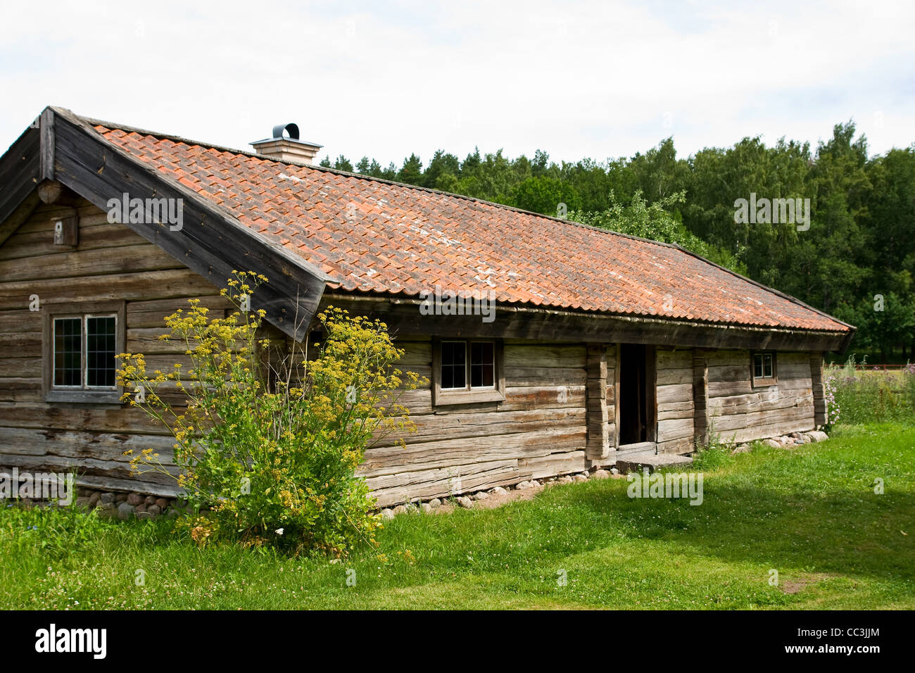 Wooden cabin in northern Sweden - Stock Image