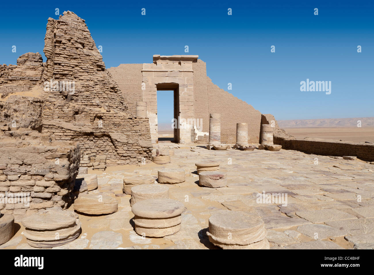 The Roman fortress and Temple of Dush, South of Kharga Oasis, Western Desert of Egypt - Stock Image