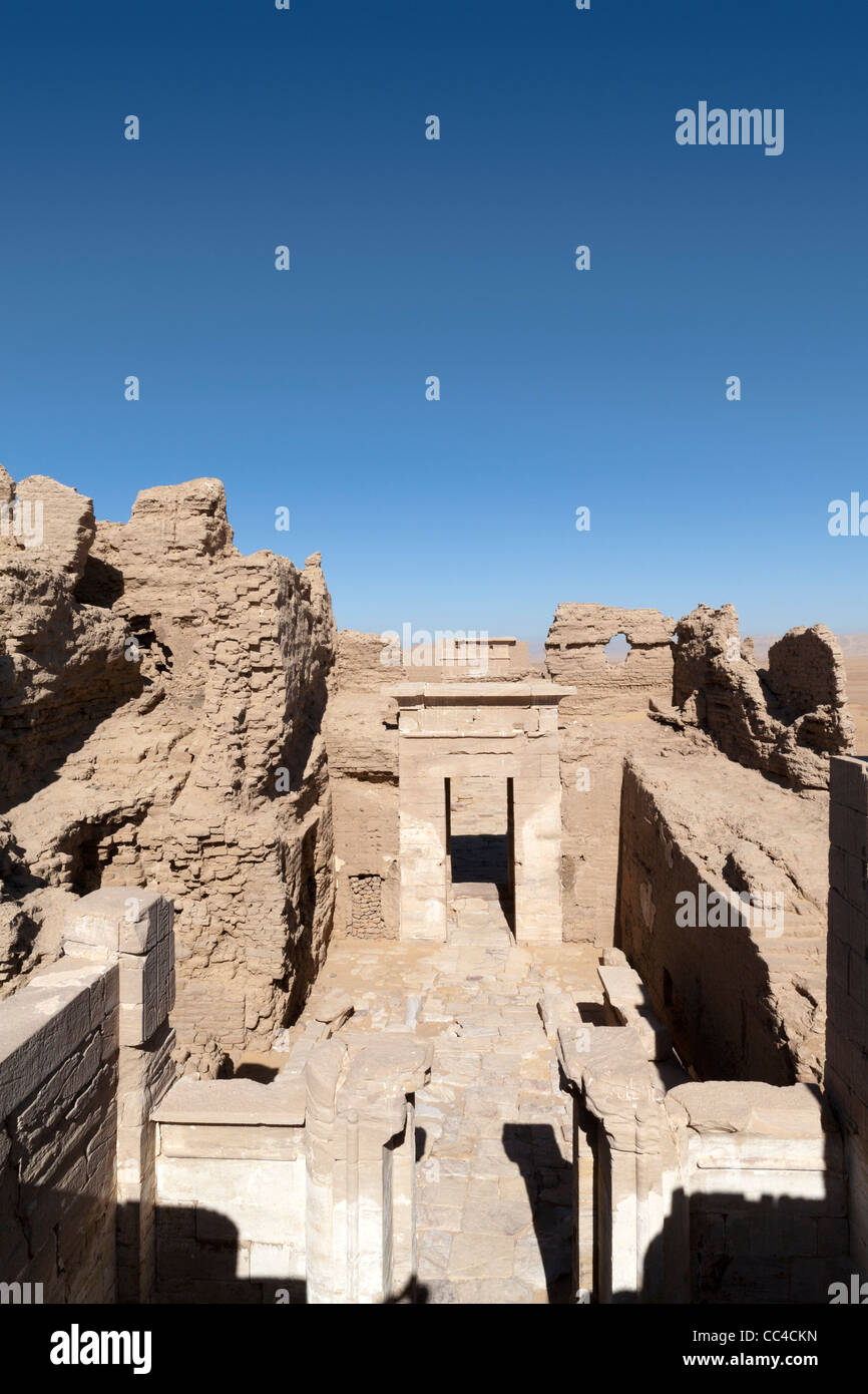 Vertical shot  view from the roof of the temple of the Roman fortress and Temple of Dush, Kharga Oasis, Western - Stock Image