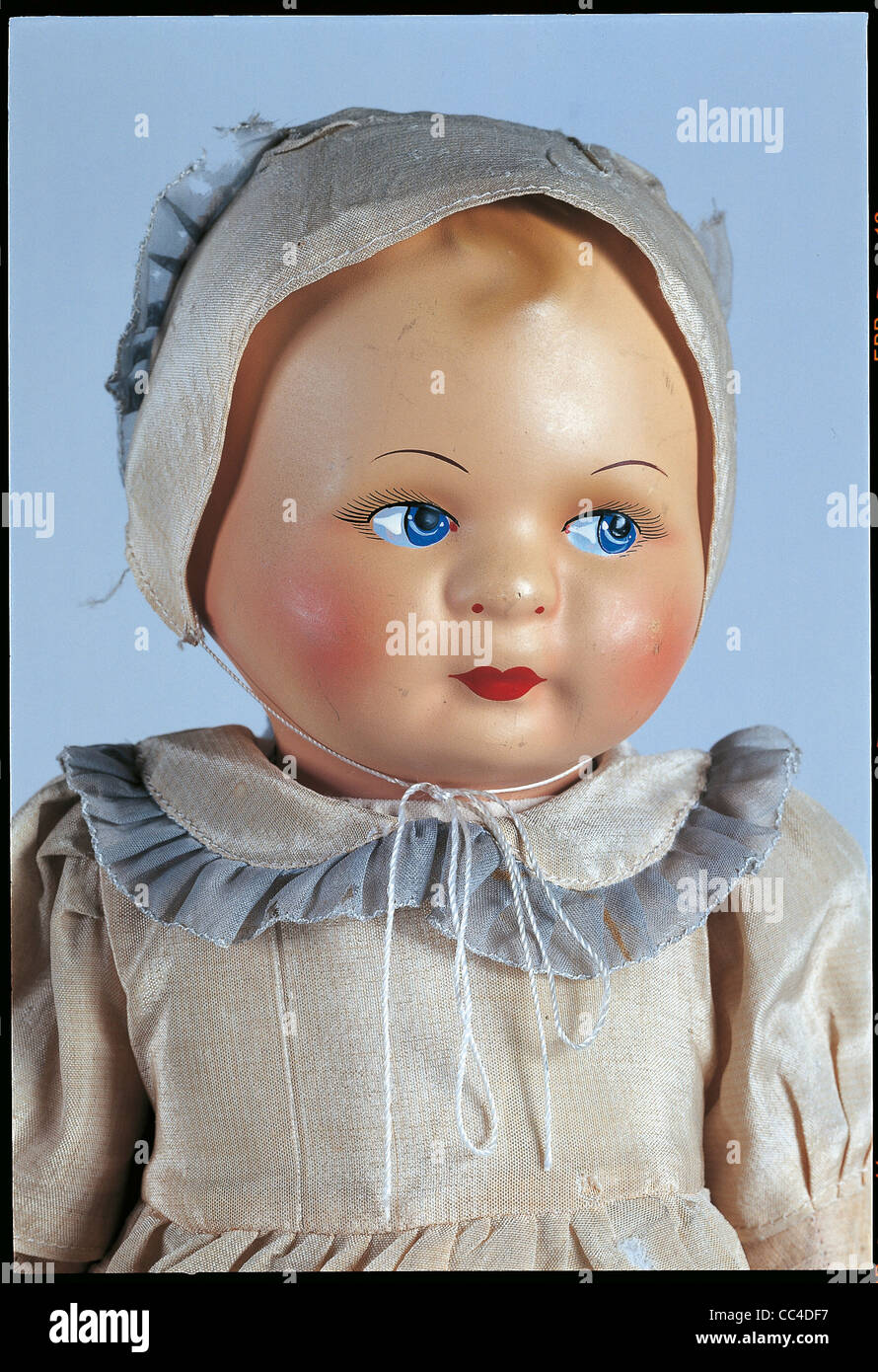 Collecting: Baby Doll Collectors 'First 900 Years Until '40 Biscuit Fabric Padded Cardboard And Part. - Stock Image