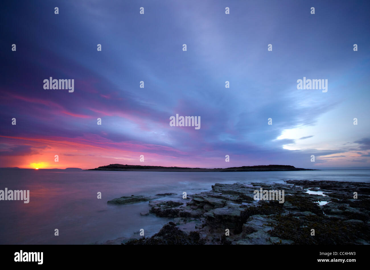 Sully Island, Sully, Vale of Glamorgan, Bristol Channel, December Dawn. - Stock Image