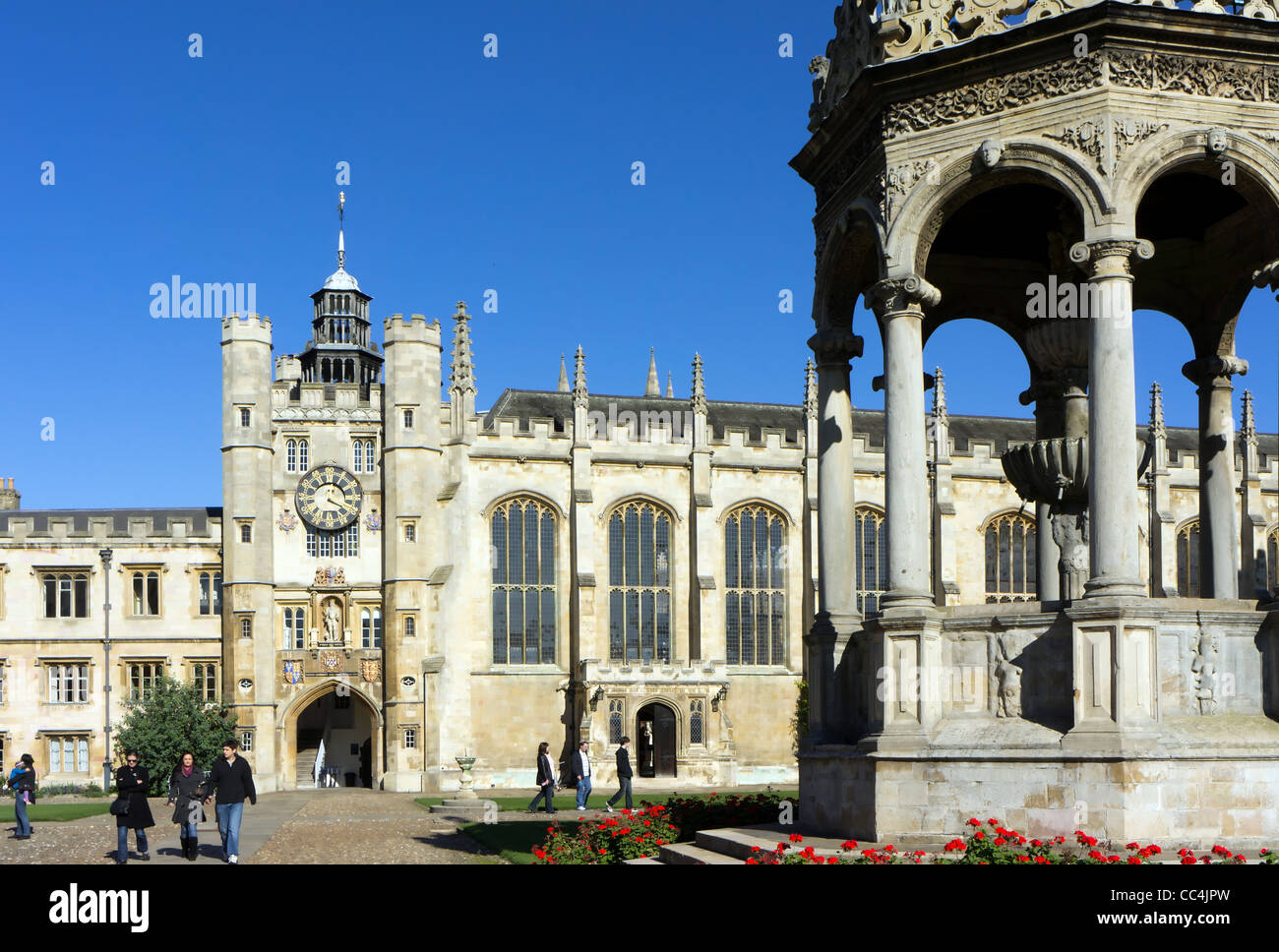 Great Court Fountain and Chapel of Trinity College, Cambridge University. - Stock Image