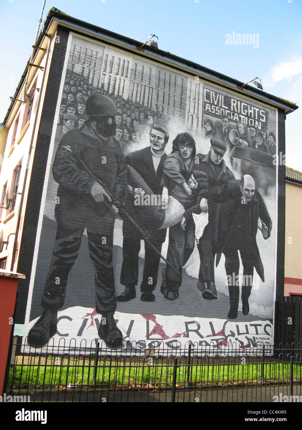 Murals in Free Derry in Londonderry in Northern Ireland. - Stock Image