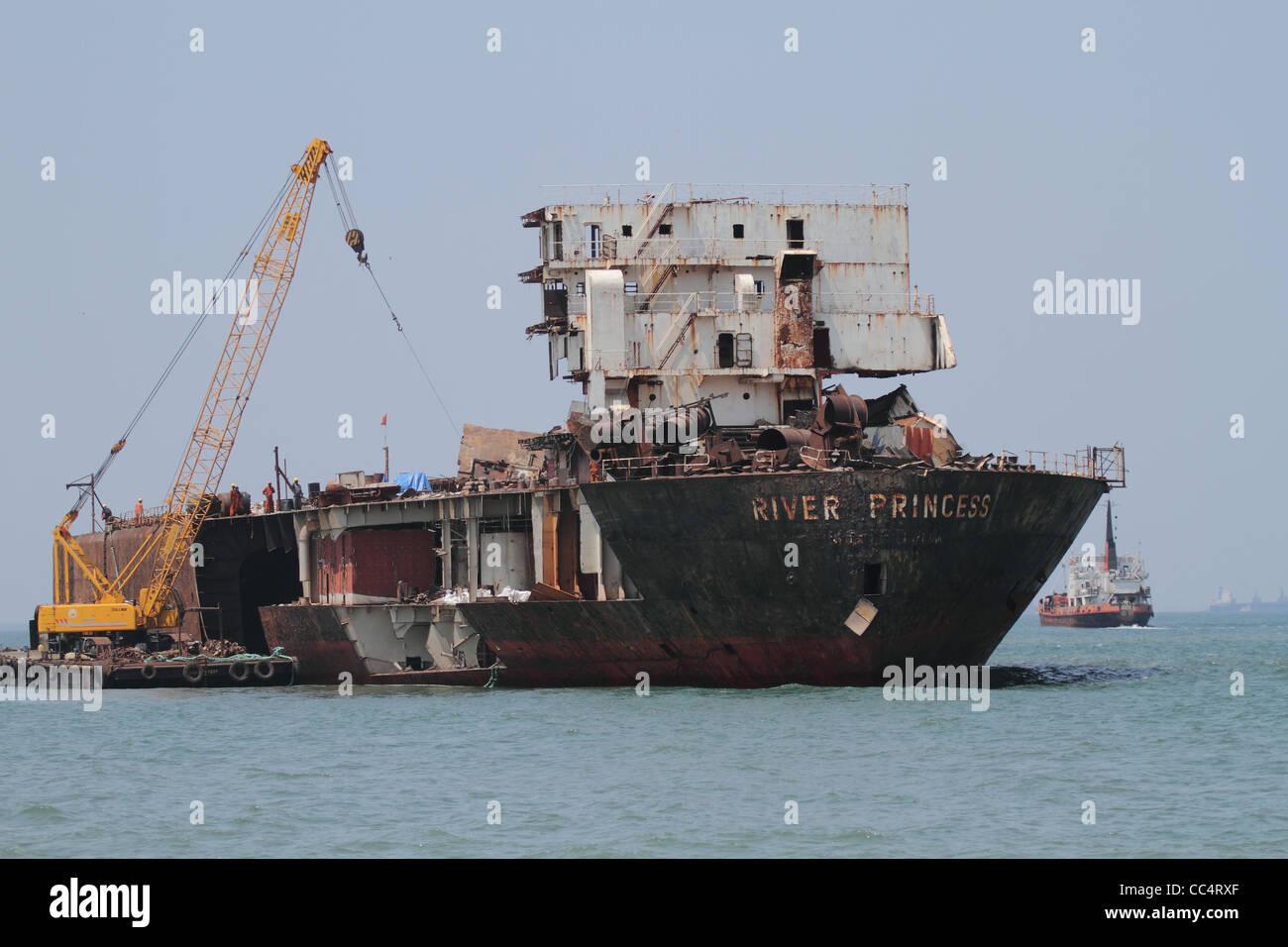 ship wreck ship dismantling - Stock Image
