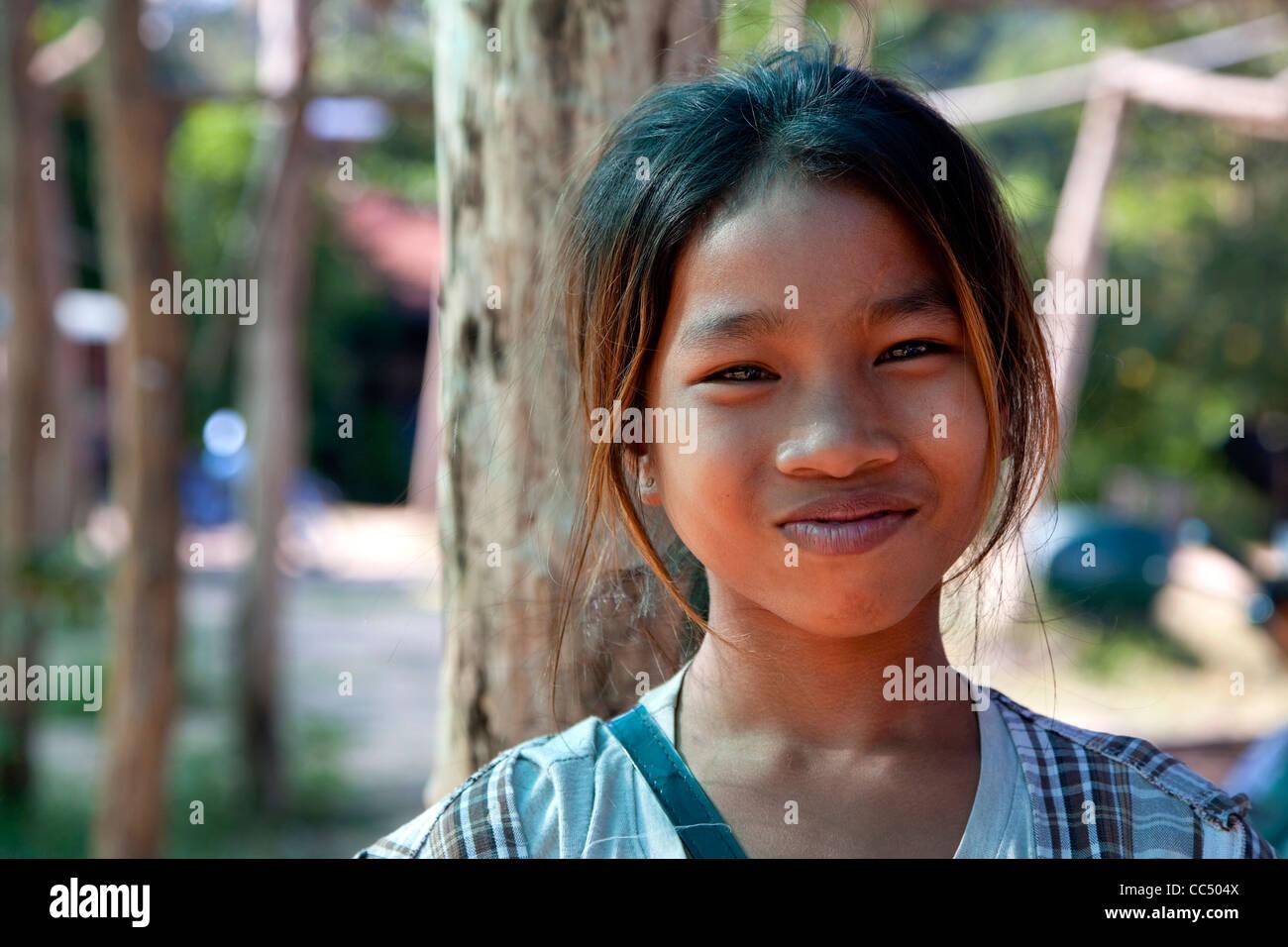 nake-vietnam-girl-lick-her-pussy