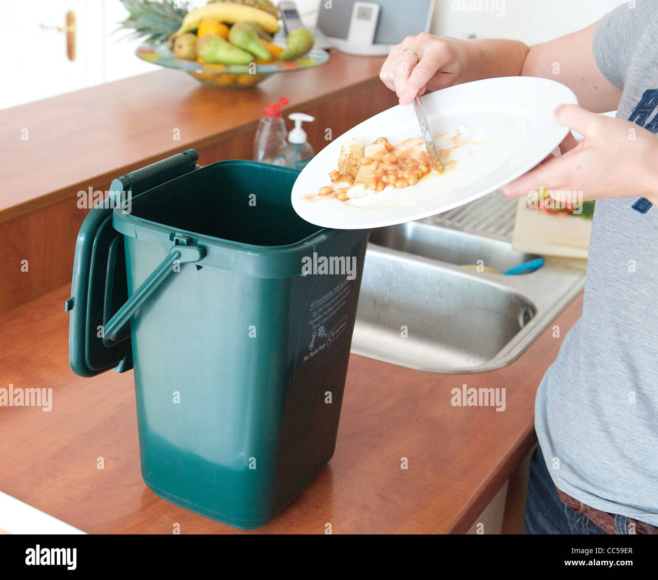 Food Waste Caddy Stock Photos & Food Waste Caddy Stock Images - Alamy