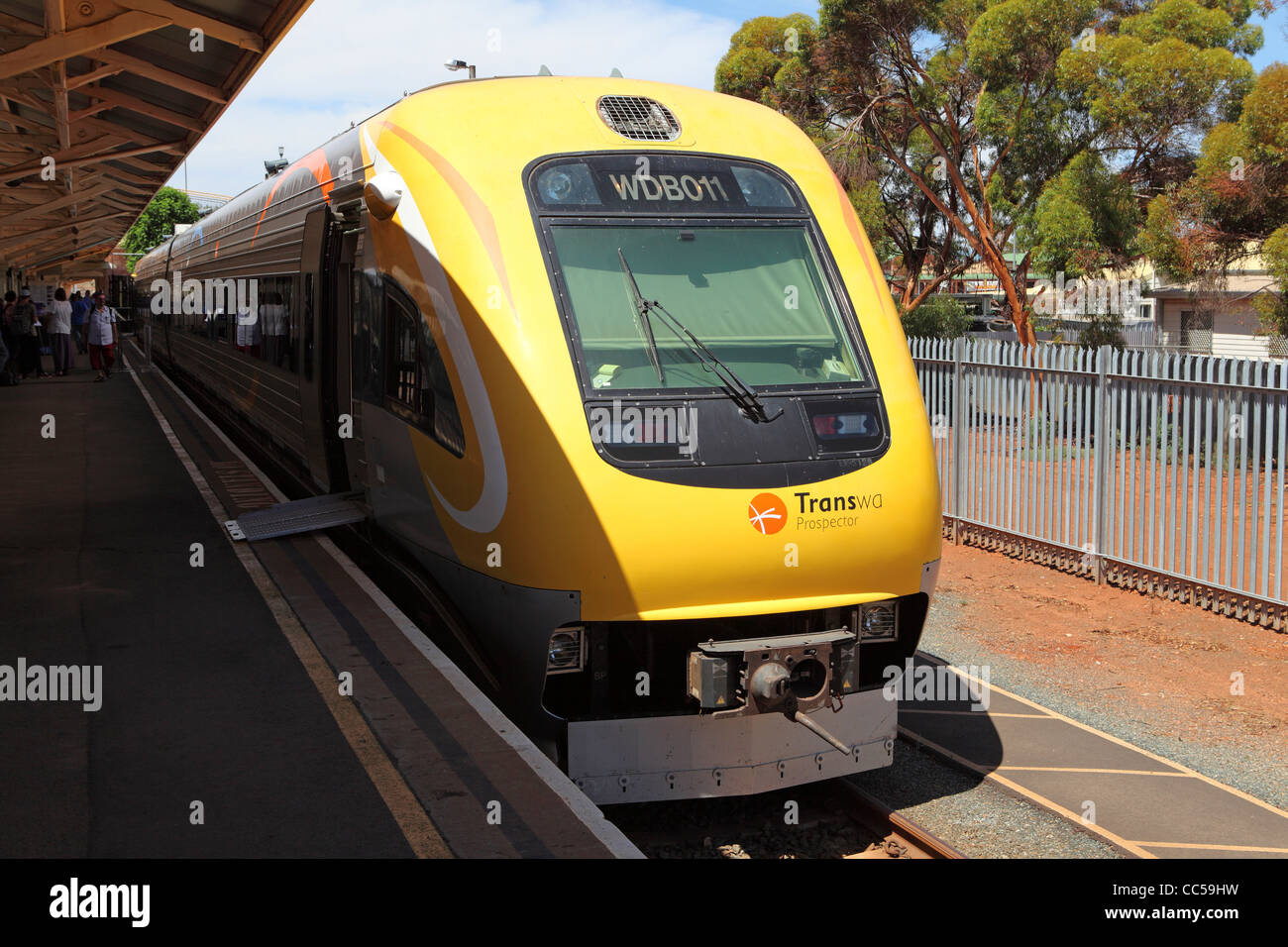 The Prospector passenger train stands at Kalgoorlie Railway Station in Western Australia. - Stock Image