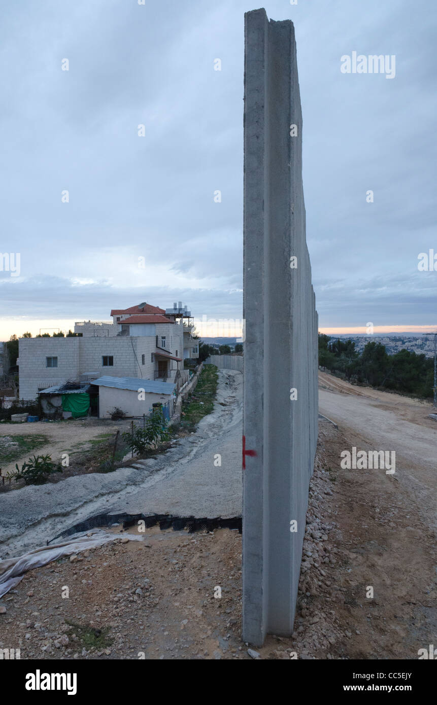 Construction site of the separation wall in Wallageh near jerusalem. Israel - Stock Image