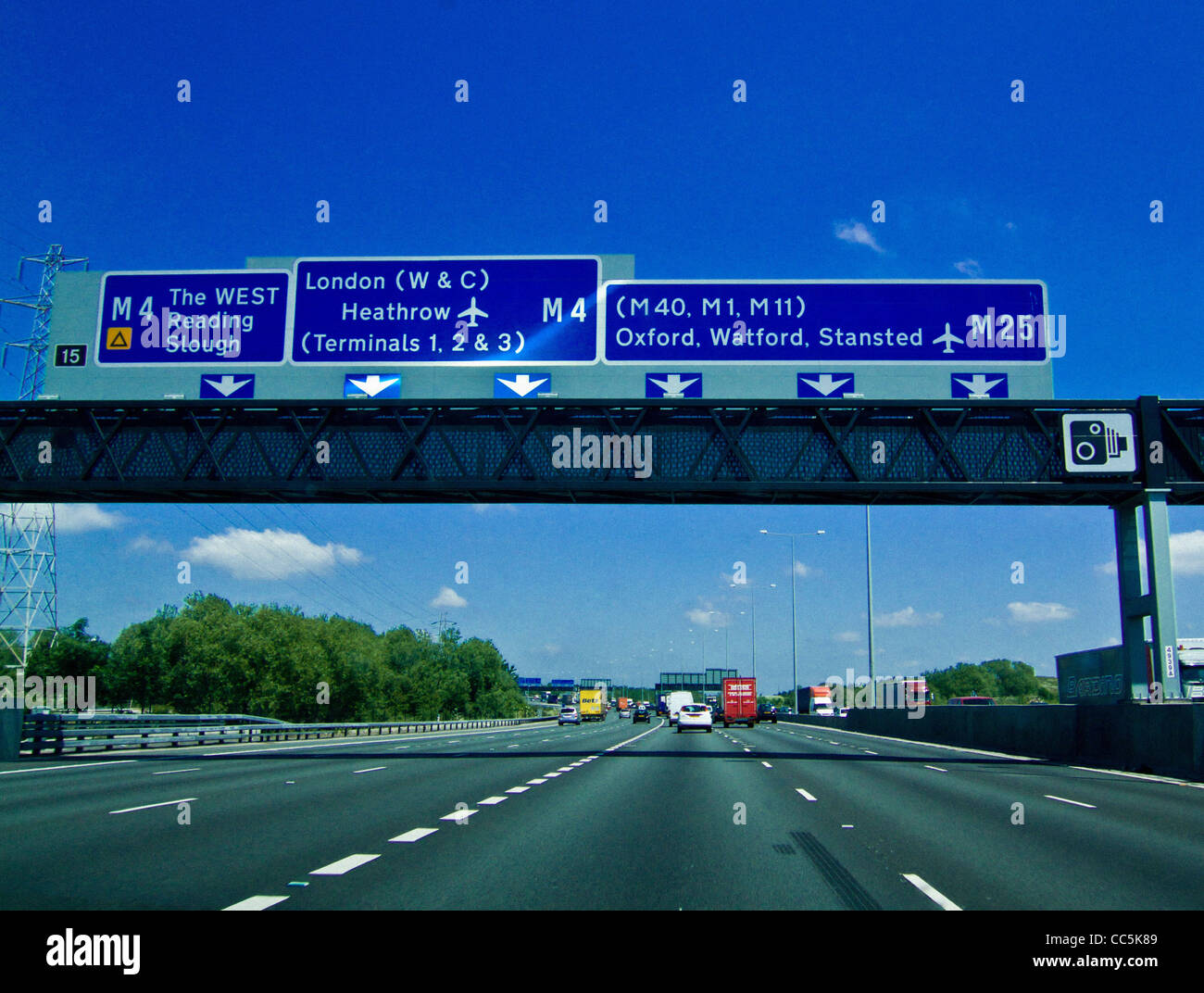Traffic moving and clear road on M25 motorway, UK. - Stock Image