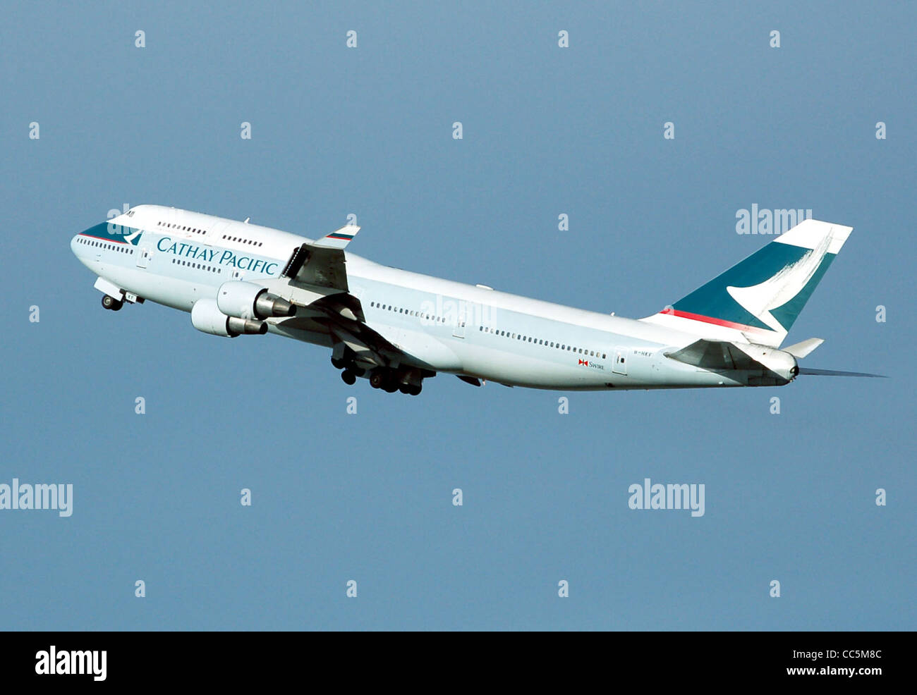 B 747 Stock Photos Images Page 3 Alamy Boeing 400 Wiring Diagram Cathay Pacific Airways Hkf Takes Off From London