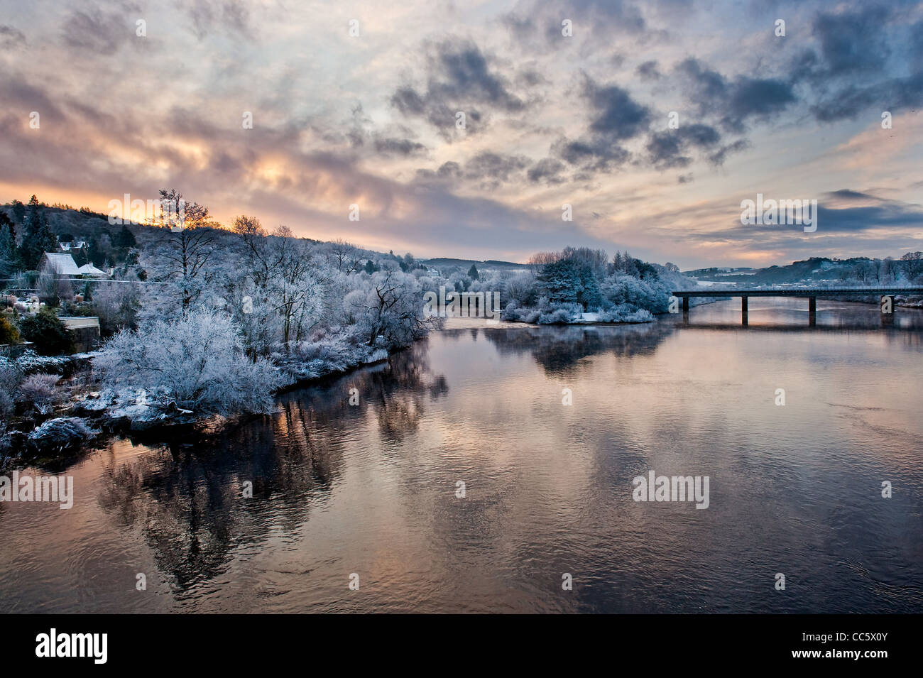An early morning sunrise on a cold and frosty morning in Perth, Scotland overlooking the river tay in the town centre. - Stock Image