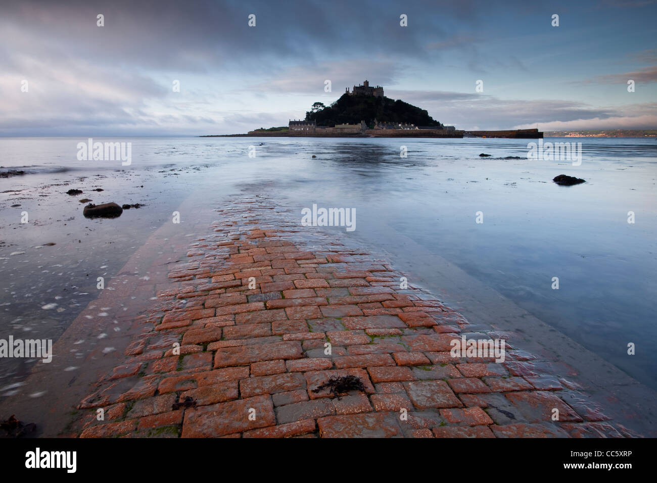 St Michael's Mount and the causeway in Cornwall, England, UK - Stock Image
