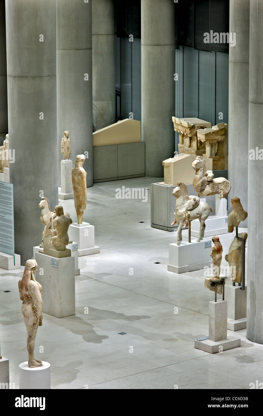 Inside view of the (new) Acropolis museum. Here you can see the Archaic gallery on the 1st floor (level 1). Athens, - Stock Image