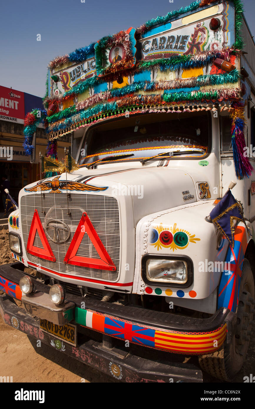 India, Assam, Balipari, colourfully decorated front of Tata Motors lorry - Stock Image